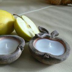 Jablíčko - svícen Ceramics Projects, Clay Projects, Ceramic Clay, Ceramic Bowls, Pottery Bowls, Ceramic Pottery, Biscuit, Pottery Lessons, Ceramic Techniques