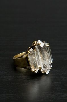 LOW LUV ERIN WASSON SMALL TRIPLE CRYSTAL RING IN GOLD