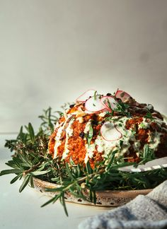 Romesco roasted whole cauliflower with herbed tahini cream sauce - vegan and gluten-free Whole Roasted Cauliflower, Cauliflower Dishes, Romanesco Cauliflower Recipe, Vegan Cauliflower, Healthy Food Blogs, Healthy Recipes, Yummy Recipes, Cooking Recipes, Fast Recipes