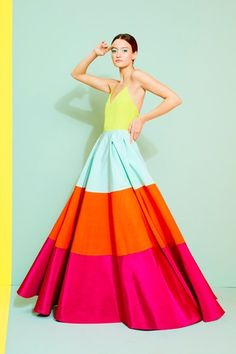 Alice Olivia Spring 2020 Ready-to-Wear Fashion Show - Vogue 2020 Fashion Trends, Fashion 2020, Runway Fashion, Spring Fashion, Fashion Fashion, Fashion News, Alice Olivia, Estilo Glamour, Fashion Show Collection