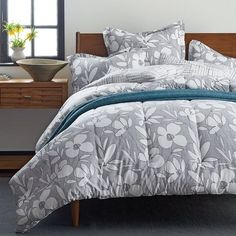 Greenwich Floral Percale Comforter Collection