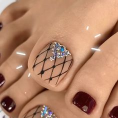 ' is what you'll say after watching these pedicure transformations 😲♥ By: Toenail Art Designs, Pedicure Designs, Pedicure Nail Art, Toe Nail Art, Toe Designs, French Nails, French Tip Pedicure, Diy Acrylic Nails, Uv Gel Nails