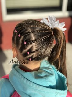 Lainey's Hair Show rocking that side ponytail. She loves wearing them especially when you add cool details Para se adequar ao seu palato Penteados. Girls Hairdos, Kids Curly Hairstyles, Cute Little Girl Hairstyles, Cute Girls Hairstyles, Prom Hairstyles, Easy Toddler Hairstyles, Toddler Hair Dos, Hair Shows, Curly Hair Styles