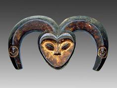 Kwele Ekuk Horn Mask. Gabon. 47cm. Wood, kaolien. 1st half 20th century. Collection PD-Jipsinghuizen-NL