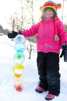 Bring colour to the deep freeze of winter with beautiful coloured ice orbs — perfect for creating towers, animals and more! Winter Outdoor Activities, Snow Activities, Toddler Activities, Preschool Crafts, Fun Crafts, Crafts For Kids, Preschool Winter, Easy Art Lessons, Forest School Activities