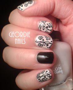 Geordie Nails: Black & Pink Rose Manicure
