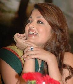 Aishwarya Rai Bachchan Photos, latest pictures & Images - 380836 - Check out unseen pics of Bollywood actress Aishwarya Rai Bachchan. Aishwarya Rai Latest, Actress Aishwarya Rai, Aishwarya Rai Bachchan, Bollywood Heroine, Bollywood Actress, Bollywood Fashion, Latest Images, Latest Pics, New Photos Hd
