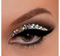 Vegas_Nay glitter rhinestone eye make-up Punk Makeup, New Year's Makeup, Beauty Makeup, Hair Makeup, Jewel Makeup, Makeup Pro, Gothic Makeup, Makeup Style, Makeup Tips