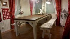 Lankkupöytä ja lankkupenkit