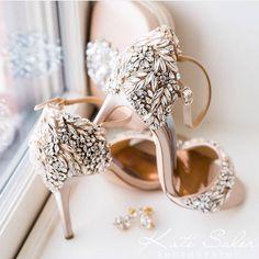 6 Beautiful Wedding Dress Trends in 2020 Wedding Shoes Bride, Wedding Day, Sandals Wedding, Boho Wedding, Types Of Gowns, Bridal Skirts, Bridal Heels, Bridal Cape, Wedding Dress Trends