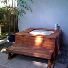 Great idea taking an inexpensive indoor Ofulo and creating an outdoor soaking hot tub from it. Sunken Bathtub, Outdoor Bathtub, Outdoor Showers, Jacuzzi, Japanese Bathtub, Japanese Style House, Soaking Bathtubs, Types Of Rooms, Ranch Style