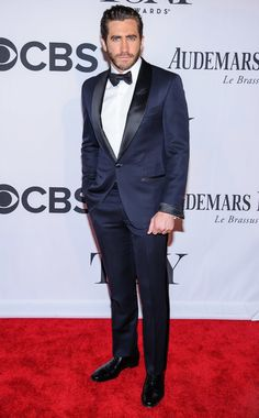Jake Gyllenhaal in a midnight blue tuxedo at the 2013 Tony Awards