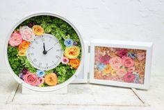 お母様と一緒にブーケを手作りにいらしたのは、この秋の花嫁様。笑顔、めっちゃかわいい!花嫁様から感想メールをいただきました。・・・・・・・・・・・ブーケ作り... Clock, Plants, Home Decor, Watch, Decoration Home, Room Decor, Clocks, Plant, Home Interior Design