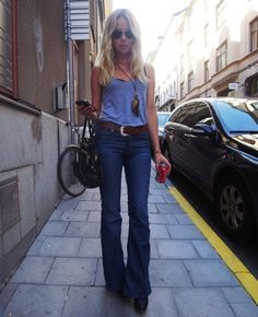 """The new denim is changing all the rules. Say goodbye to the basic skinny and get ahead of the curve with these modern shapes... Go Wide Think 90's """"The Girlfriend"""" En Blanc Images from Pinterest.com High Frame Denim Le Skinny mid-rise flares The Row Norland mid ri"""