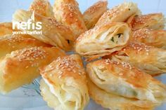 Crispy Flower Burrito (You Won't Regret Try it) – Yummy … – Hair Design Tandoori Masala, Bread And Pastries, Turkish Recipes, International Recipes, Food Design, Burritos, Bread Baking, Food Photo, Hot Dog Buns
