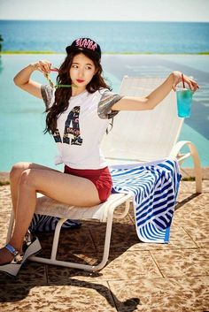 Suzy appreciates the beauty of nature in Jeju Island - Latest K-pop News - K-pop News Suzy Bae Fashion, Girl Fashion, Kpop Girl Groups, Kpop Girls, Miss A Suzy, Bae Suzy, Trends, Korean Celebrities, Poses