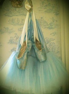 ~Spring Pirouettes~ Iridescent Pointe & Tulle