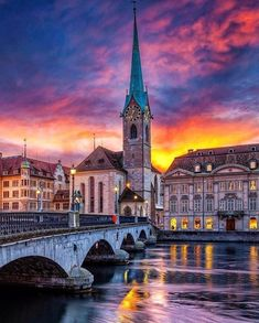 Dramatic colorful view of Zürich , Switzerland 🇨🇭! Carpe Diem, Lets Run Away Together, Switzerland Vacation, Europe Holidays, Destination Voyage, Seen, Architecture Old, France, Travel Pictures