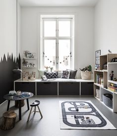 child room Great siting and relax corner under the window in child's room Tolle Sitzecke und Ruheecke unter dem Fenster im Kinderzimmer Playroom Decor, Home Decor Bedroom, Kids Bedroom, Decor Room, Kids Rooms, Bedroom Ideas, Boy Decor, Room Kids, Boy Rooms