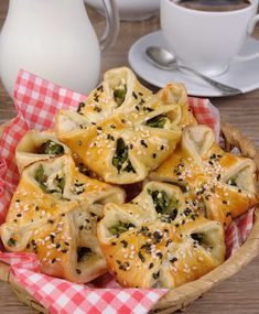 Paneer And Spinach Puff Recipe