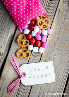 Cupid Crunch Trail Mix |Valentine's Day Snack| simplykierste.com