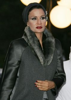 Sheikha Moza, wife Qatari Emir Sheikh Hamad Bin Khalifa Al Thani, arrives to attend the official launching of Damascus being named the 2008 cultural capital of the Arab world in Damascus, 19 January 2008.