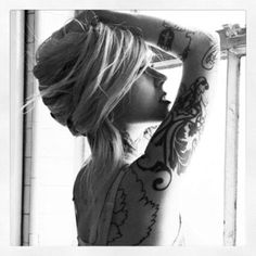 Tattoos and hair Baby Tattoos, Hot Tattoos, Girl Tattoos, Snapback And Tattoos, Tattoo Removal Process, Sara Fabel, Tattoo For Baby Girl, Be Your Own Kind Of Beautiful, Beautiful Ladies