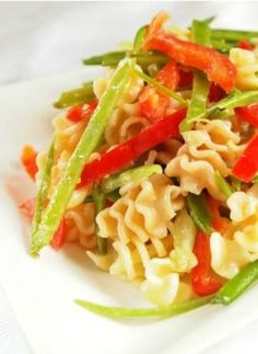 The best pasta salad recipe ever! A healthy dinner before Passover!