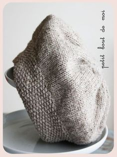 17 Best Ideas For Crochet Poncho Sweater Inspiration Knit Slouchy Hat Pattern, Beanie Knitting Patterns Free, Crochet Beret, Knit Patterns, Crochet Baby, Knitted Hats, Crochet Pattern, Patron Crochet, Bonnet Hat