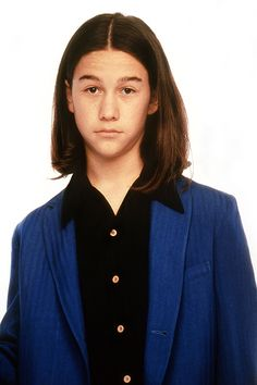 15 Amazing & Awkward #tbt Photos From Your Favorite Actors' Early Roles #refinery29  http://www.refinery29.com/2014/10/75886/old-celebrity-headshots-tbt-pictures#slide5  Joseph Gordon-Levitt On 3rd Rock From the Sun, 1996