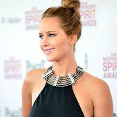 Hair Ideas Bob Jennifer Lawrence For 2019 Romantic Hairstyles, Trendy Hairstyles, Jennifer Lawrence, Lindsay Lohan Hair, Hair Knot, Knot Bun, Simple Ponytails, Celebrity Look, Top Knot