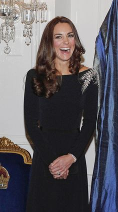 Catherine, Duchess of Cambridge attends an art unveiling of a portrait of Queen Elizabeth II during Day 4 of a Royal Tour to New Zealand at Government House on April 10, 2014 in Wellington, New Zealand.