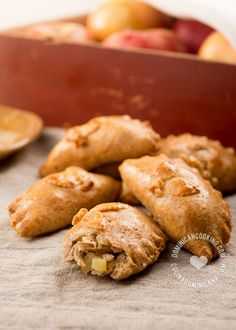Pork and Apple Pasty Recipe: A much lighter, and with less cholesterol version of the dough, and a sweet and savory filling that combines Christmas flavors.