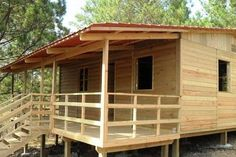 Wooden houses with radiation Source: Prefabricated houses … Prefabricated Houses, Prefab Homes, Cabin Homes, Hut House, Bahay Kubo, Bamboo House, Simple House Design, Types Of Houses, Back Gardens