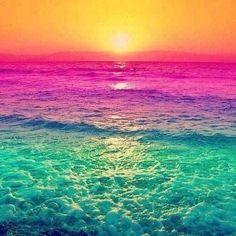 Beautiful ocean and sunset Beautiful Sunset, Beautiful World, Beautiful Places, Simply Beautiful, Colorful Pictures, Pretty Pictures, Beautiful Ocean Pictures, Random Pictures, World Of Color