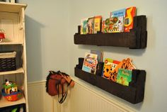 Pallet bookshelves - how creative!  I have about 7 pallets in my backyard right now - maybe I can put them to use!