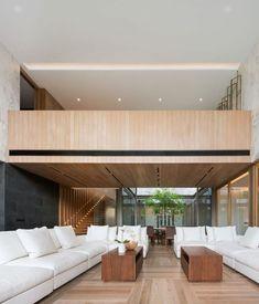 grand salon dans maison en marbre