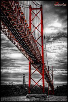 Ponte 25 de Abril, Lisboa. Considerada a ponte mais bonita da europa.