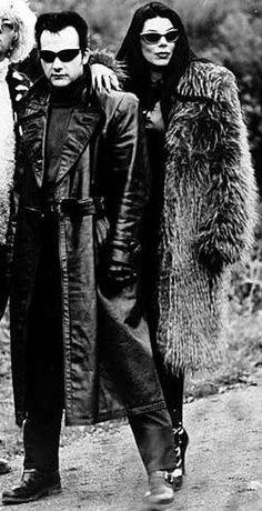 Dave Vanian & Patricia Morrison (a/k/a Pat Bag) Patricia Morrison, Goth Bands, Black Planet, Sisters Of Mercy, Skull Dress, Gothic Rock, Dark Fashion, 80s Fashion, Sound & Vision