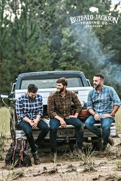 Men's long sleeve, plaid, button up, flannel shirt. No rules on how to wear it. We go for casual style so we outfit it with jeans and boots. But your shirt, your call. Great gifts for guys Long Flannel Shirts, Flannel Outfits, Mens Flannel Shirt, Shirt Men, Great Gifts For Guys, Lumberjack Style, How To Wear Flannels, Rugged Men, Rugged Style