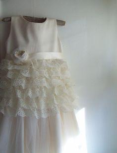 Lace Vintage style Flower Girl Dress