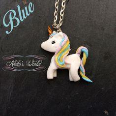 Collar pequeño pastel unicornio arco iris de kawaii brillante