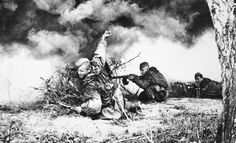 Soviet intelligence in the fight. Soldier throws a grenade RG-42. 2nd Belarusian Front