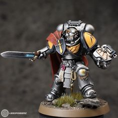 """""""Finished my Silver Templars chapter master. Thanks to Matt Holland for his amazing work on sculpting the new Tor Garadon which I was waiting to kitbash as soon as I had seen the reveal. Warhammer 40k Figures, Warhammer Models, Warhammer 40k Miniatures, Warhammer 40000, Star Trek Enterprise, Star Trek Voyager, Guardia Imperial 40k, Miniaturas Warhammer 40k, Grey Knights"""