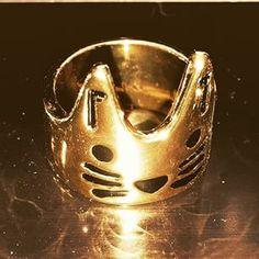 Crown Cat Ring / meowingtons /  http://www.meowingtons.com/ @mcaraffa