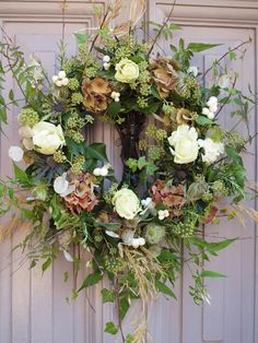 Elegant Rustic Christmas Wreaths Decoration Ideas To Celebrate Your Holiday 42 Diy Christmas Garland, Christmas Wreaths To Make, Holiday Wreaths, Rustic Christmas, Christmas Decorations, Winter Wreaths, Christmas Cactus, Spring Wreaths, Kirklands Christmas