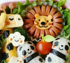 Cute lion with wiener sausage Fancy Food Presentation, Food Art For Kids, Food Sculpture, Food Displays, Happy Foods, Cafe Food, Food Crafts, Food Humor, Culinary Arts