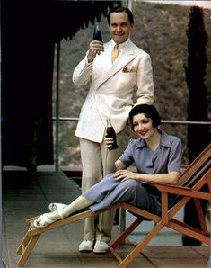 Claudette Colbert and Fredric March in Coca-Cola ad (photo by Nickolas Muray) Old Hollywood Stars, Hooray For Hollywood, Golden Age Of Hollywood, Vintage Hollywood, Classic Hollywood, Hollywood Party, Hollywood Style, Nickolas Muray, Westerns