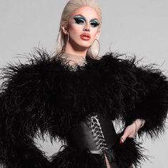 Aquaria, New York. She amazes me very single time. Her LEWK is so fashion forward! Go sis. Drag Queen Outfits, Violet Chachki, Adore Delano, Thick Girl Fashion, Queen Makeup, Rupaul Drag, Drag Queens, Androgyny, Catwalks
