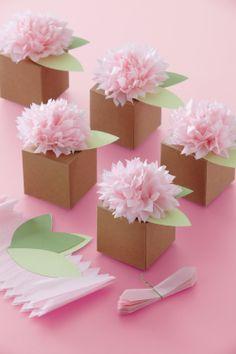 Tissue Paper Crafts Pom Pom Flower Favor Box by Favors and Flowers Tissue Paper Flowers, Diy Flowers, Tissue Poms, Flower Crafts, Flower Decorations, Tissue Paper Decorations, Tissue Paper Wrapping, Wedding Flowers, Paper Garlands